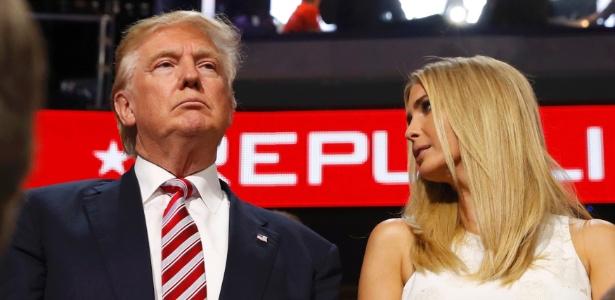 Donald Trump e sua filha Ivanka (dir.) acompanham o discurso do senador Ted Cruz