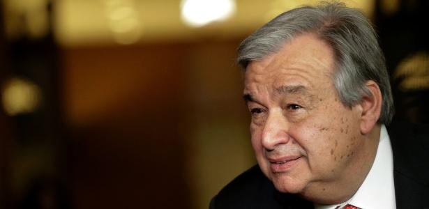 12.abr.2016 - Antonio Guterres fala com jornalistas na sede da ONU em Nova York