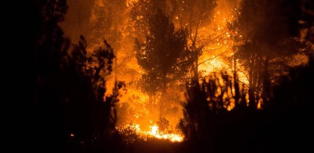 19.ago.2017 - Incêndio em Carnoux-en-Provence que teria sido provocado pelo adolescente