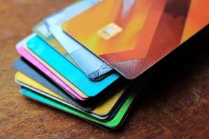 Bancos são acusados de prejudicar concorrência no mercado de cartões de crédito (Foto: Getty Images)