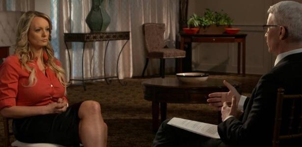 A atriz pornô Stormy Daniels em entrevista ao programa 60 Minutes, da rede americana CBS - CBS News/Reuters
