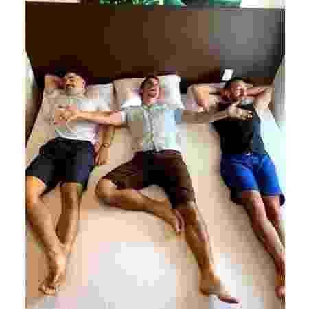 Matheus, Tiago e Renato vivem juntos há seis meses - Arquivo pessoal