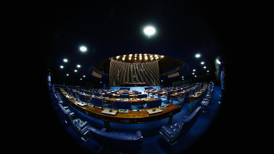 Vista do plenário do Senado; Planalto tenta ganhar tempo e adiar ao máximo a CPI da Covid para negociar cargos no primeiro escalão  - Jorge Silva/Reuters