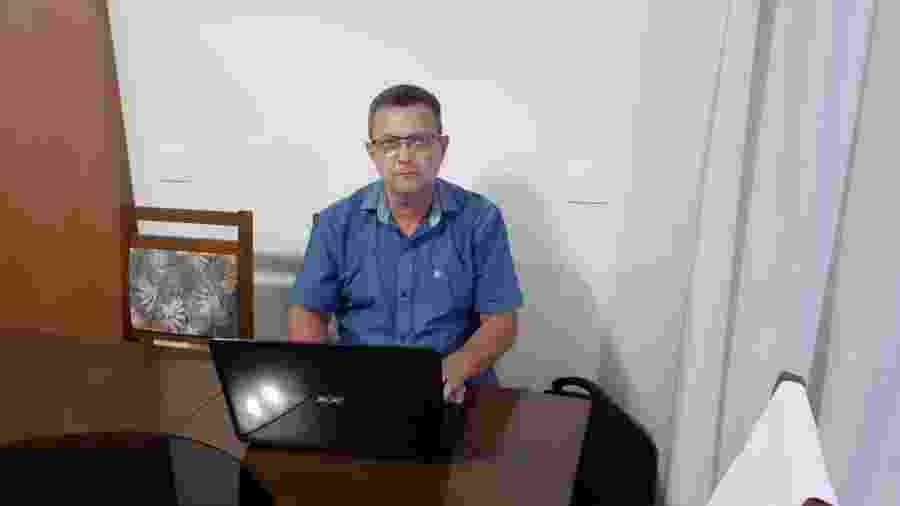 Gilberto Pereira usa o Google para pesquisar a ficha limpa de candidatos - Rodrigo de Vaz
