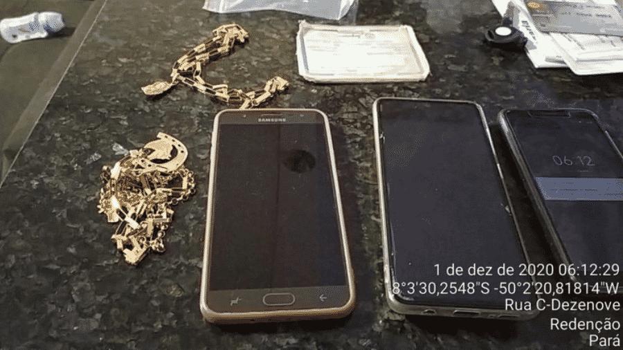 1.dez.2020 - Objetos apreendidos pela Polícia Federal na Operação Seguro Fake II, que visa apurar esquema de fraudes ao seguro desemprego, e outros benefícios sociais, no Pará - Polícia Federal