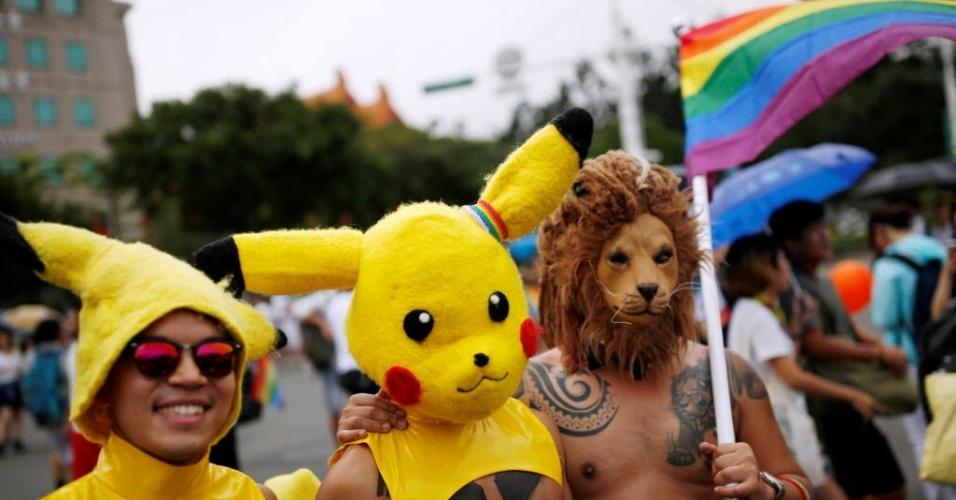 29.out.2016 - Pikachu é a fantasia mais usada durante a Parada do Orgulho LGBT (Lésbicas, gays, bissexuais e transexuais, em Taipé, Taiwan