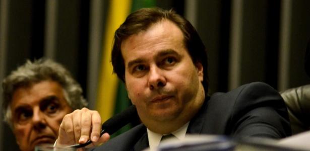 Deputados não querem que o presidente Rodrigo Maia coloque o projeto de caixa 2 em pauta no plenário da Câmara