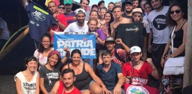 24.jan.2018 - Argentinos viajaram a Porto Alegre para manifestar apoio a Lula - João Fellet/BBC Brasil
