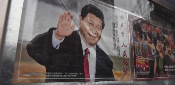 28.fev.2018 - Pôster de propaganda do presidente Xi Jinping em uma rua de Pequim