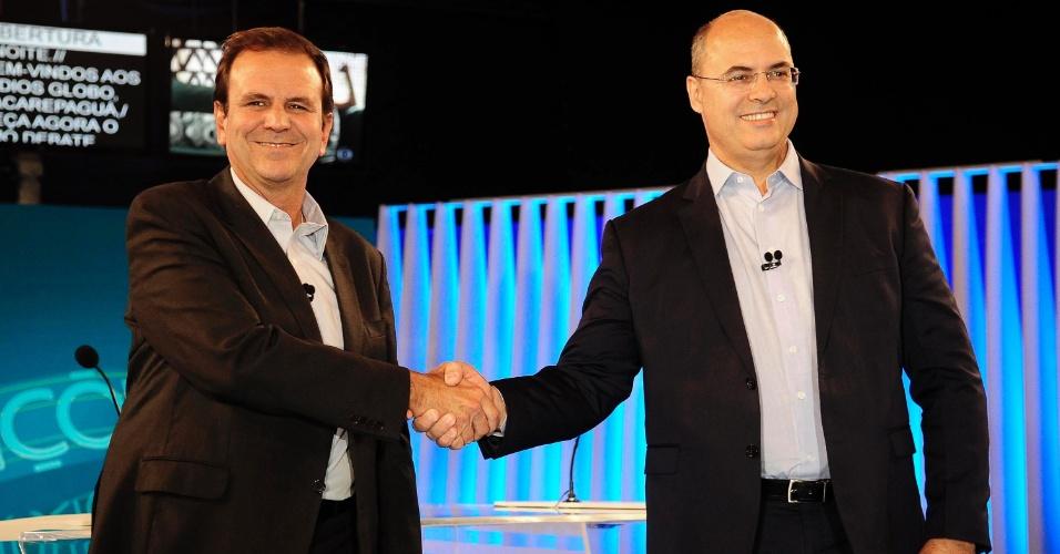 25.out.2018 - Os candidatos Wilson Witzel (PSC) e Eduardo Paes (DEM), durante o debate entre candidatos a governadores na Rede Globo no Rio de Janeiro (RJ), nesta quinta-feira (25