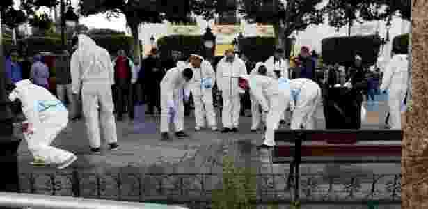 Entre os feridos, oito são policiais; mulher não tinha histórico militante conhecido - Zoubeir Souissi/Reuters