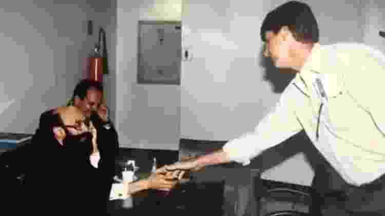 Imagem de Bolsonaro cumprimentando Enéas aparece no final do vídeo divulgado pelo presidente - Reprodução