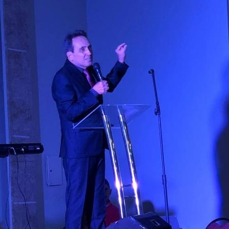"O professor Marcos Eberlin, que difunde a teoria de fundo religioso do ""design inteligente"" - Página de Marcos Eberlin no Facebook"