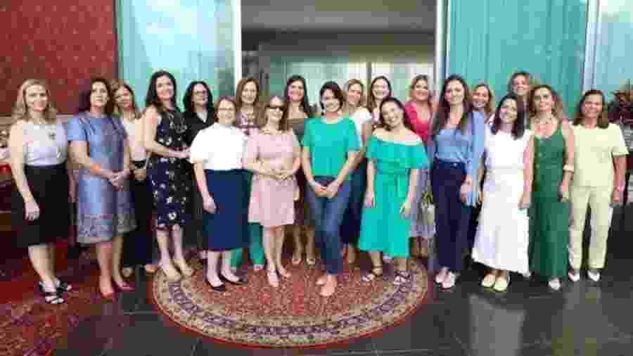 Primeira-dama recebeu mulheres de ministros e de chefes das Forças Armadas e instituições bancárias do governo - Reprodução/Instagram