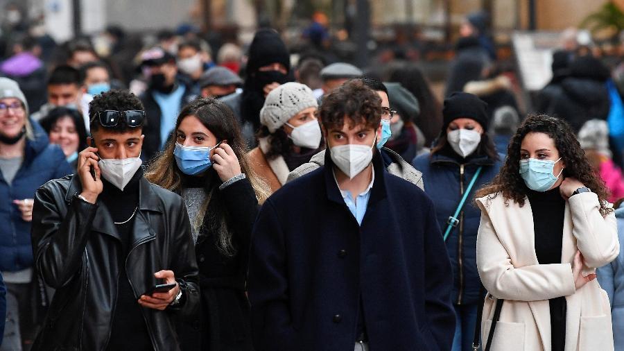 Boletim do Ministério da Saúde apresenta um aumento expressivo nos casos, porém uma redução nas mortes - Flavio Lo Scalzo/Reuters