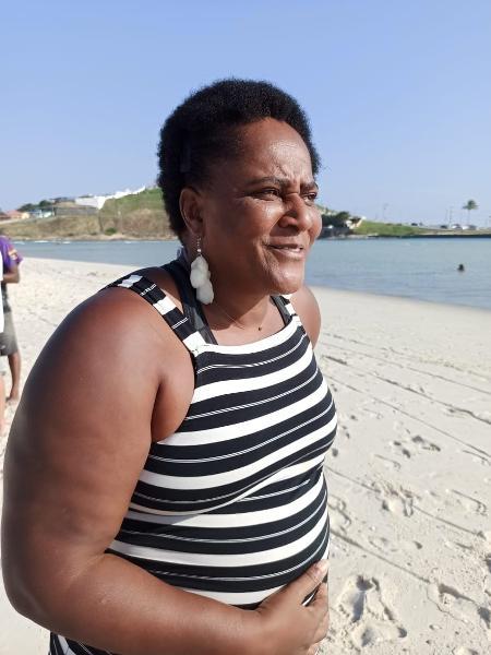 21.mai.2021 - Sandra Sapatão momentos após ser presa em praia de Saquarema (RJ) - Divulgação/Polícia Civil