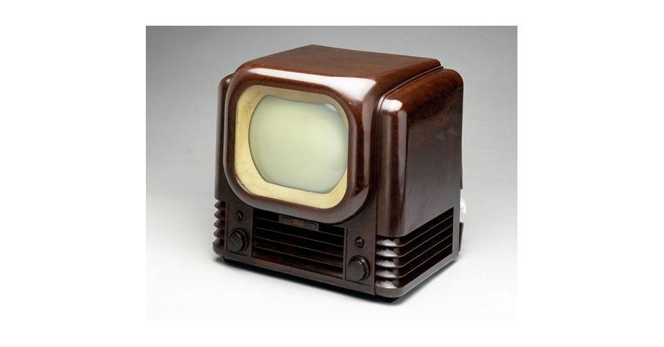 Televisão da Arbusto (1950). Esse é um dos objetos extintos que integram a enciclopédia virtual criada pela startup russa Thngs para eternizar tecnologias do passado