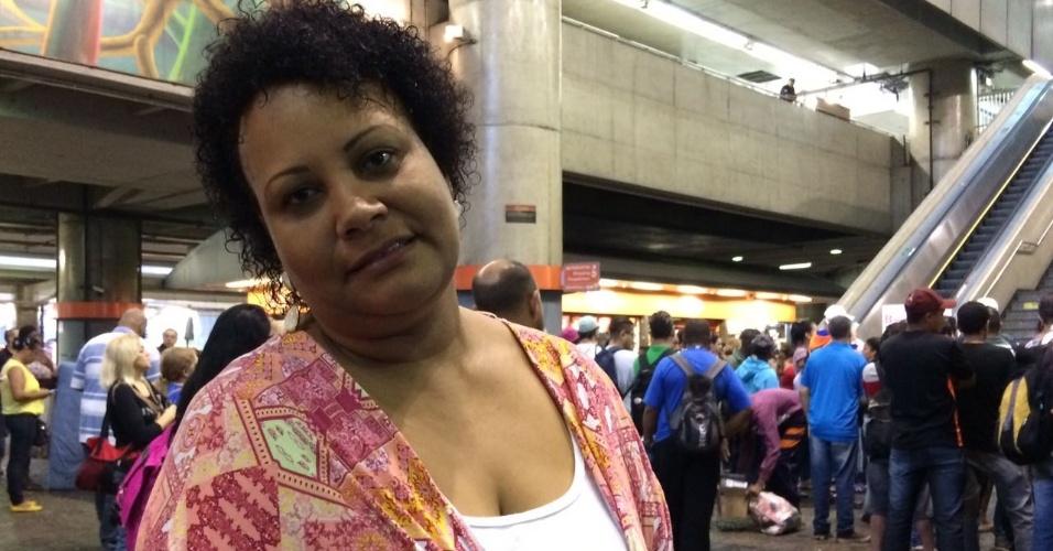 15.mar.2017 - Isabel Trajano, 47, que iria do Parque do Carmo à Paulista, diz entender o motivo da paralisação
