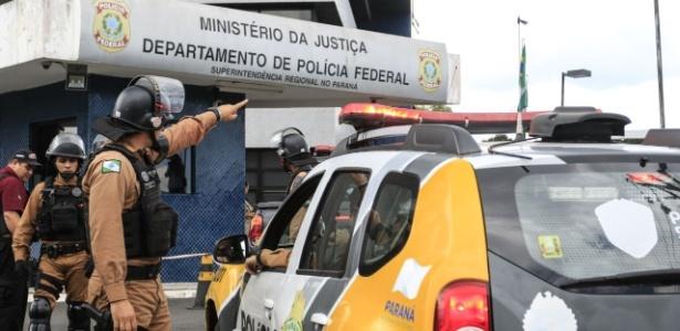 Com helicópteros e policiais, área da PF tem segurança reforçada