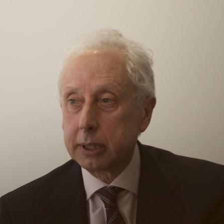O economista Persio Arida, economista e um dos signatários da carta que cobra ações do governo federal contra a pandemia - Danilo Verpa/Folhapress