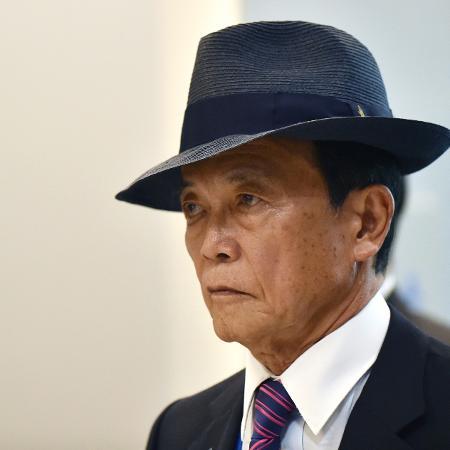16.mai.2016 - O ministro das Finanças do Japão, Taro Aso - AFP PHOTO / Kazuhiro NOGI