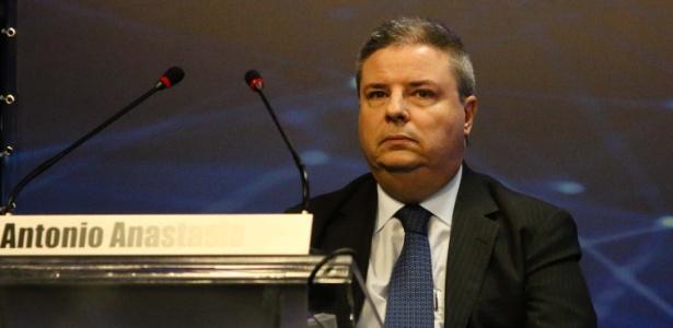16.ago.2018 - Senador Antonio Anastasia (PSDB) participa de debate promovido pela Band no 1º turno