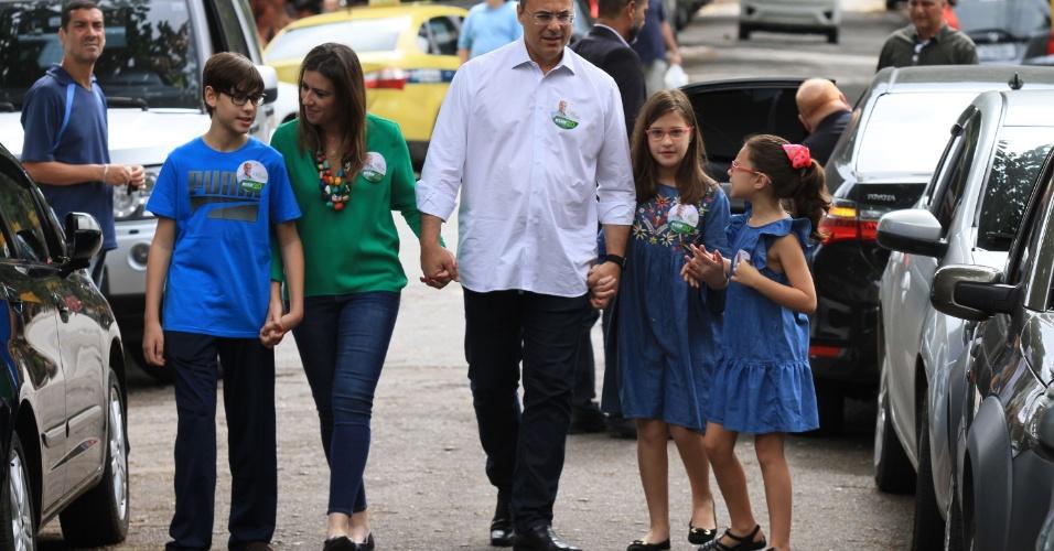 7.out.2018 - Witzel vota no primeiro turno no Grajaú, zona norte do Rio