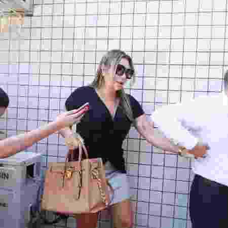 25.fev.2019 - Elaine Caparroz de 55 anos, prestou depoimento no 16º DP, no Rio de Janeiro - José Lucena/Futura Press/Folhapress