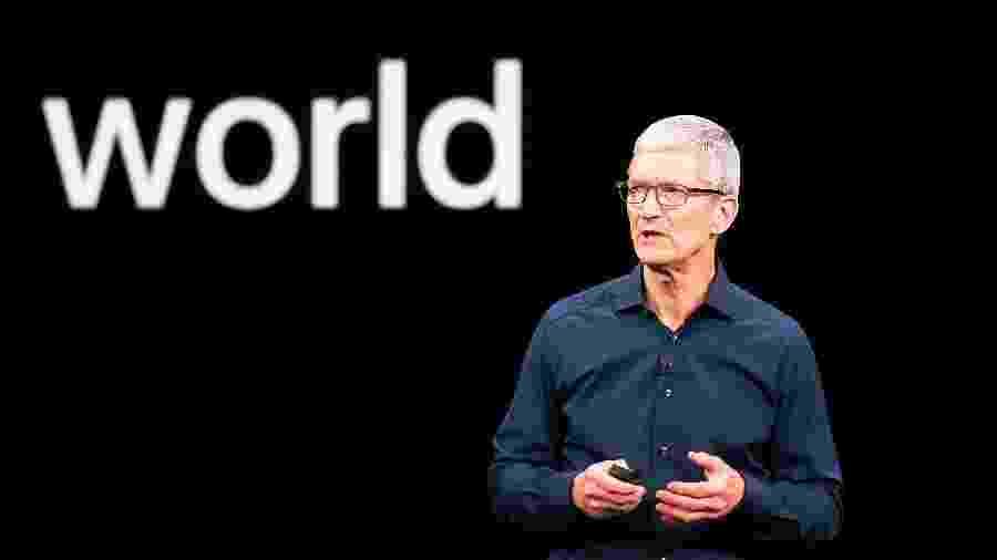 Tim Cook, CEO da Apple, é conhecido por fazer longas pausas antes de responder a uma pergunta - Noah Berger/AFP