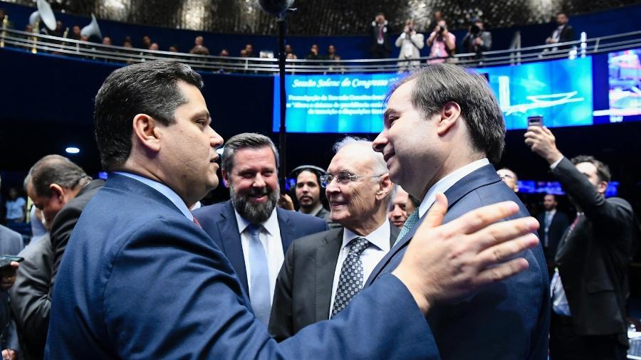 O presidente do Senado Federal, senador Davi Alcolumbre (DEM-AP) e o presidente da Câmra dos Deputados, deputado Rodrigo Maia (DEM-RJ) durante sessão solene do Congresso Nacional - Geraldo Magela/Agência Senado