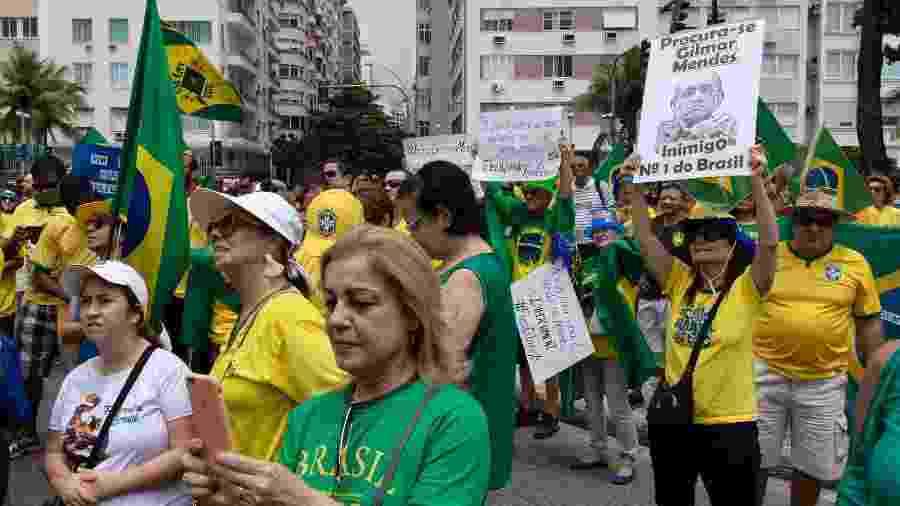 17.nov.2019 - Manifestantes realizam o ato Fora Gilmar, contra o ministro do Supremo Tribunal Federal (STF), Gilmar Mendes, em Copacabana, no Rio de Janeiro - DANIEL RESENDE/FUTURA PRESS/ESTADÃO CONTEÚDO