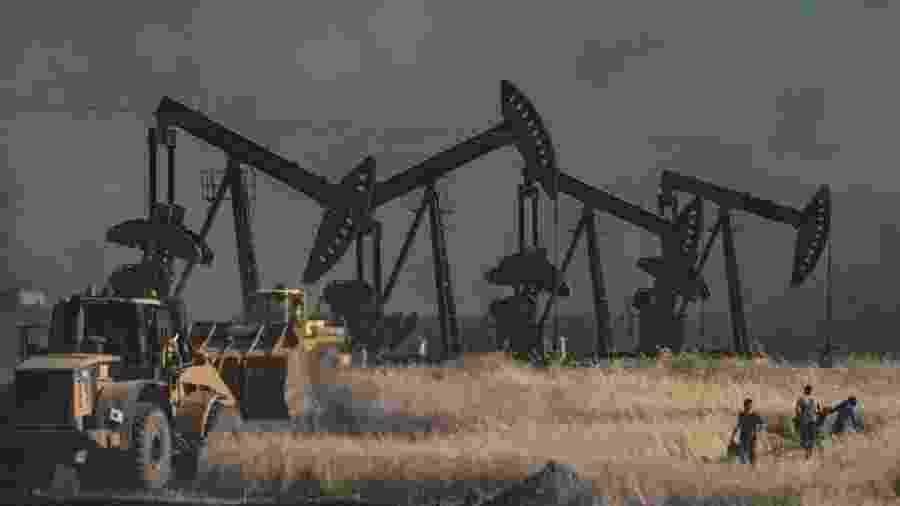 Cerca de 500 soldados americanos permanecem no norte da Síria para proteger as instalações de petróleo do país - Getty Images via BBC