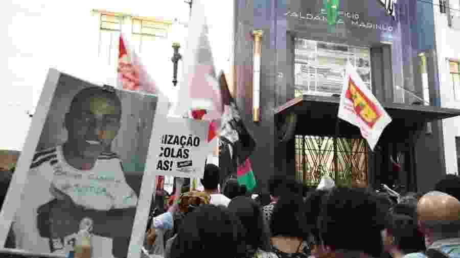 Protesto em frente à Secretaria da Segurança Pública pelos nove jovens mortos no Baile da DZ7, em Paraisópolis - Marcelo Oliveira/UOL