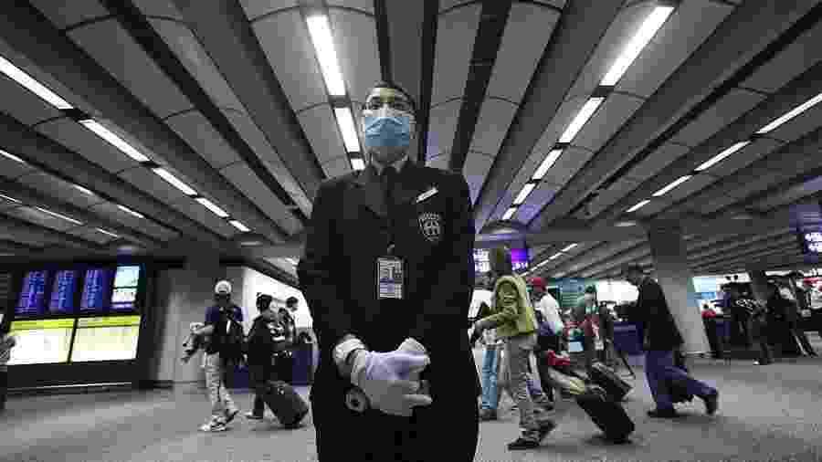Hong Kong e Cingapura começaram a aplicar medidas de controle de circulação de pessoas vindas de região chinesa com pessoas infectadas - Getty Images