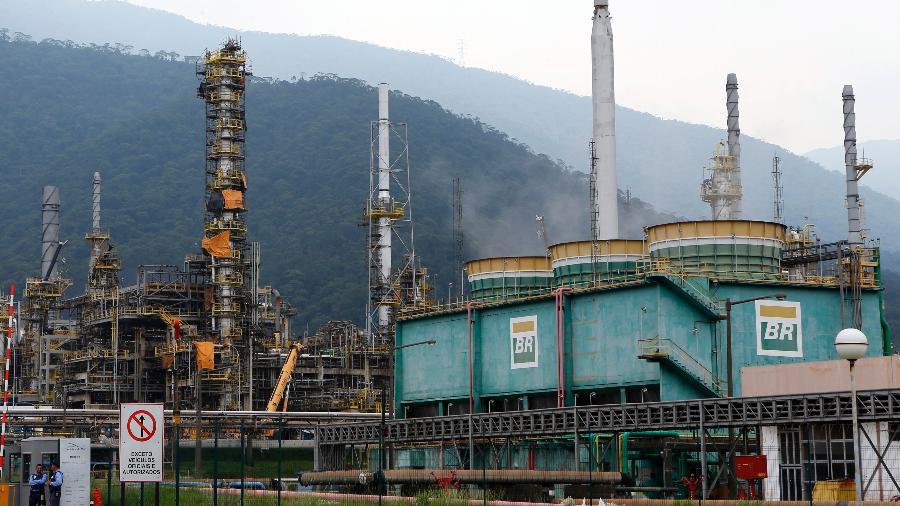 Refinaria da Petrobras em Cubatão (SP) - Paulo Whitaker
