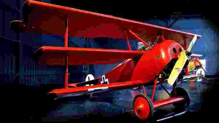 Aviões podem ter mais de uma asa, como o Fokker Dr. I, o avião do Barão Vermelho - Reprodução - Reprodução