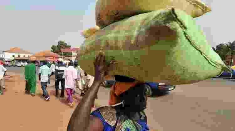 Evidências de estudos na Guiné-Bissau indicam que as vacinas frequentemente conferem proteção contra outras doenças - Getty Images - Getty Images