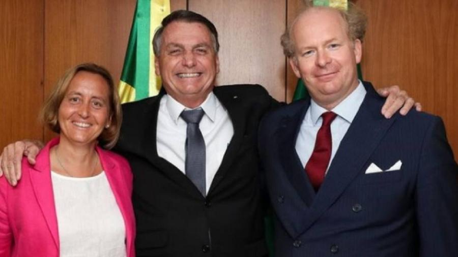Beatrix von Storch, expoente de partido de extrema direita que flerta com neonazismo, e Jair Bolsonaro em encontro fora da agenda. É claro que isso diz muita coisa - Reprodução/Instagram