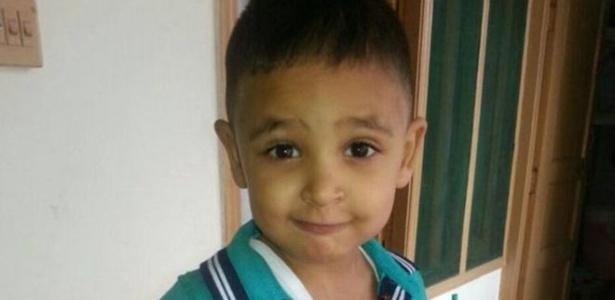 Pais de Iftikhar Ahmad discordam até sobre se ele foi adotado
