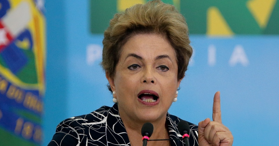6.mai.2016 - A presidente Dilma Rousseff anuncia contratação de 25 mil unidades do Minha Casa, Minha Vida, no Palácio do Planalto, em Brasília
