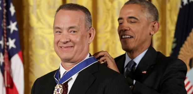 O então presidente Barack Obama concede a Medalha Presidencial da Liberdade a Tom Hanks