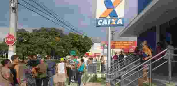 Fila em agência da Caixa no Jardim Londres, em Campinas (SP) - Thiago Varella/UOL - Thiago Varella/UOL
