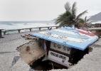 Erosão deixa rastro de destruição em orla de praia no Rio - Márcio Alves/Agência O Globo