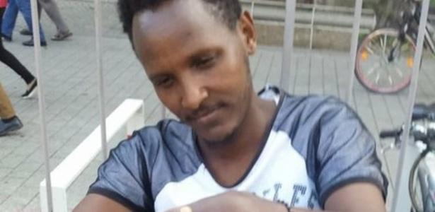 Harun Ahmed conseguiu chegar à Alemanha, mas só depois de meses de tortura, inanição e de ser tratado como mercadoria por traficantes