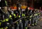 Criança brincando com fogão pode ter iniciado incêndio fatal em Nova York, diz prefeito - Amr Alfiky/Reuters
