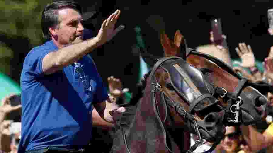 Bolsonaro andou a cavalo em manifestação a seu favor em Brasília - Reuters