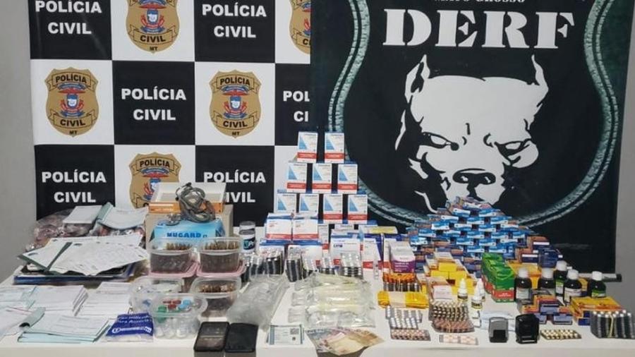 Medicamentos controlados e receituários foram apreendidos pela polícia - Polícia Civil de MT/Divulgação