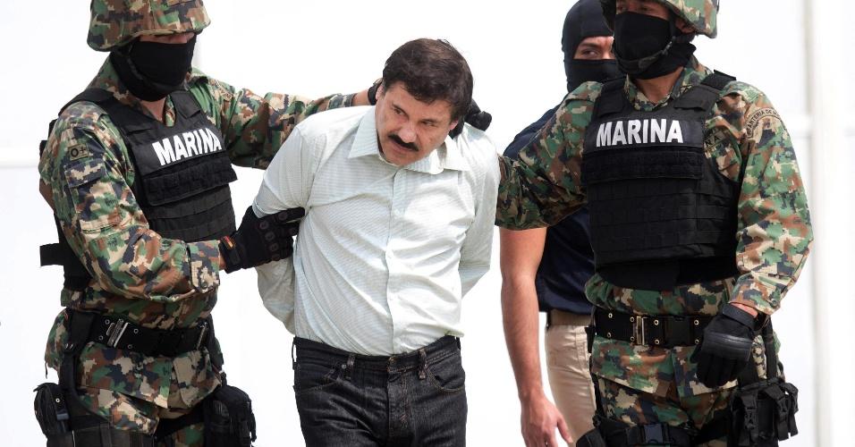12.jul.2015 - Em foto de arquivo (2014), o traficante de drogas Joaquín El Chapo Guzmán, líder do Cartel de Sinaloa, que fugiu da prisão do Estado do México (centro do país) na qual estava preso desde sua detenção em fevereiro de 2014. Está é a segunda vez que ele escapa de uma prisão mexicana