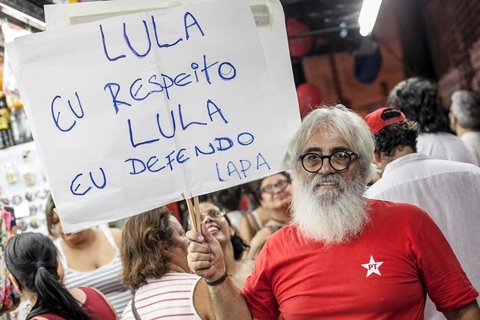 """""""Estou aqui porque acredito na democracia deste país."""" Jales Cobra, 63 anos, profissional autônomo"""