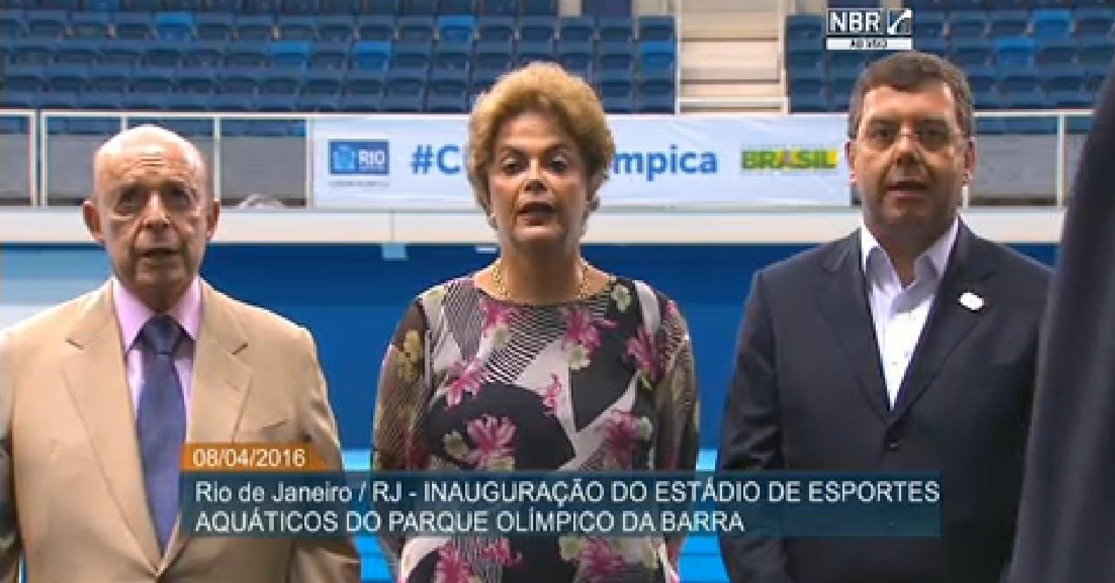 8.abr.2016 - A presidente Dilma Rousseff participa da inauguração do Estádio de Esportes Aquáticos do Parque Olímpico da Barra, na Barra da Tijuca, no Rio de Janeiro (RJ). O estádio será usado nas Olimpíadas que serão sediadas na capital fluminense